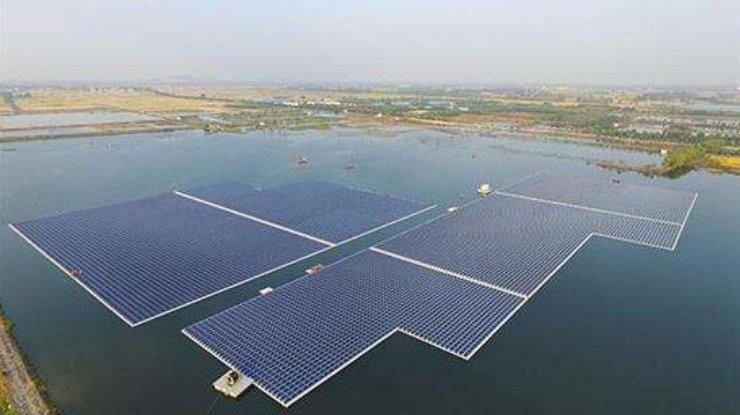 В Китае открылась крупнейшая в мире плавучая электростанция
