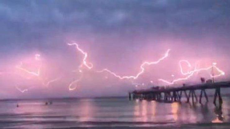 Паук: вАвстралии сняли поразительной красоты небесное явление