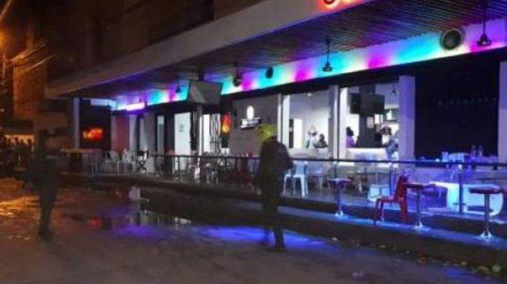 ВКолумбии вночном клубе взорвалась граната: неменее 30 человек пострадали