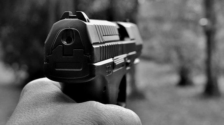 НаКорсике при стрельбе ваэропорту умер мафиози покличке Мясник