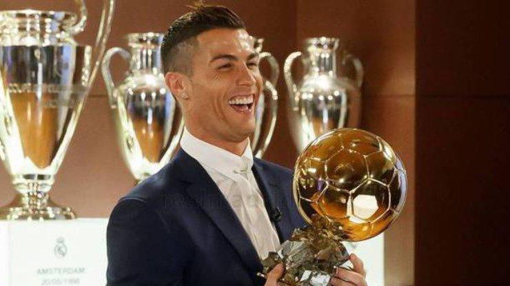 Роналду получил 5-й «Золотой мяч» в карьере