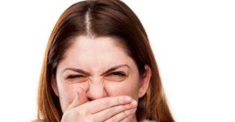 запах изо рта утром причины