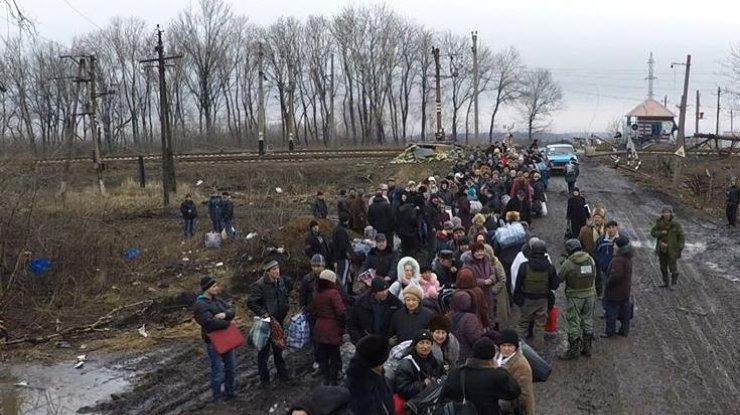 Cотрудники экстренных служб собираются эвакуировать 12 тыс. человек изАвдеевки