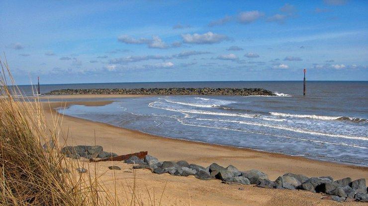 В Великобритании наберег моря выбросило 360кг кокаина