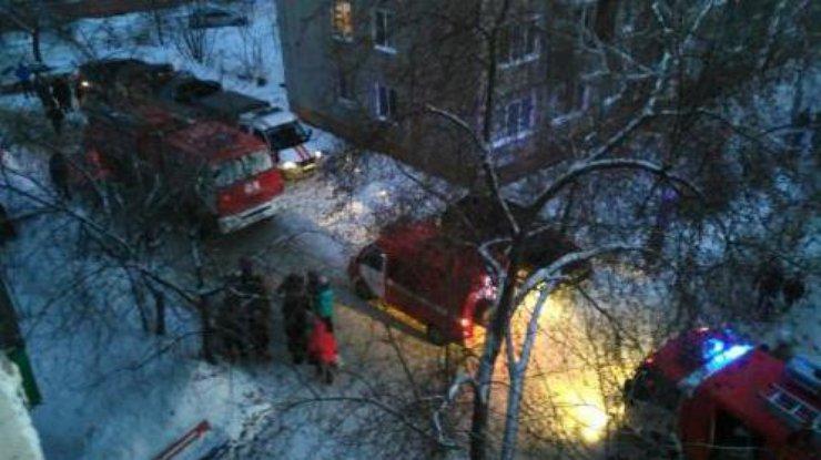 ВЧеркассах женщина бросила трех детей насутки взапертой квартире