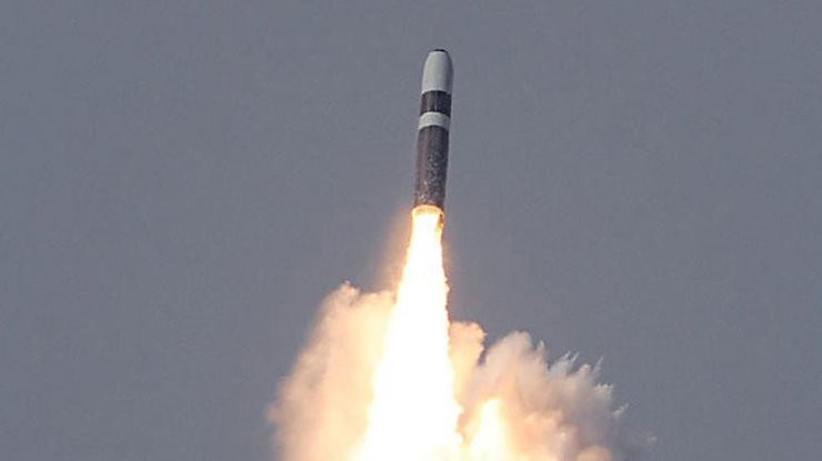ВМС США провели испытальтельные пуски баллистических ракет видео