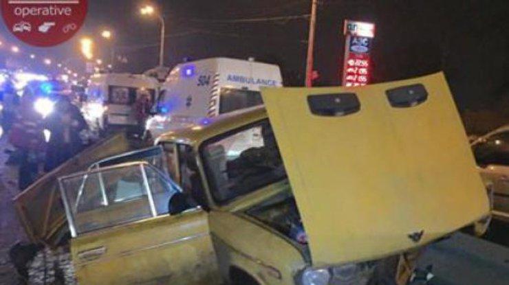 Ужасная авария вКиеве: шофёр скончался напротяжении мин.
