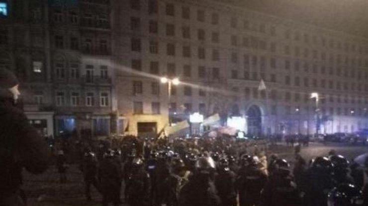Один полицейский пострадал, 5 человек задержаны— Столкновения вКиеве