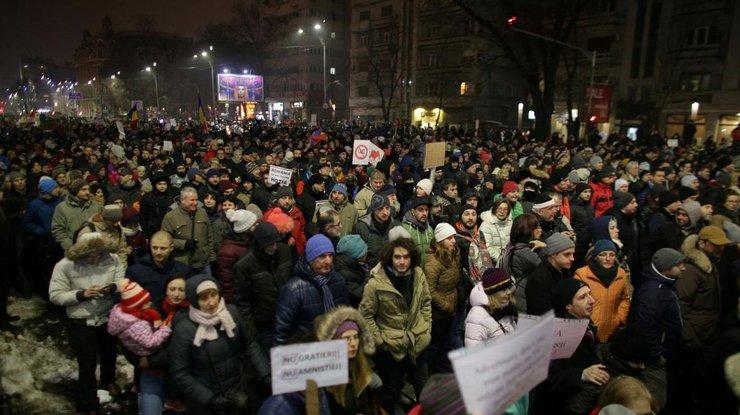 ВРумынии министр ушел вотставку из-за амнистии маленьких коррупционеров