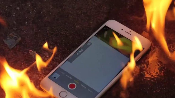 Apple iPhone 6 Plus зажегся, пока его владелец спал