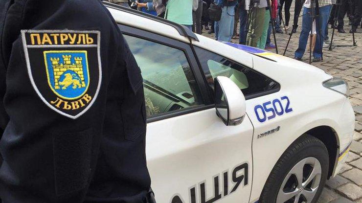 ВоЛьвове милиция задержала мужчину, который обстрелял окна родильного отделения