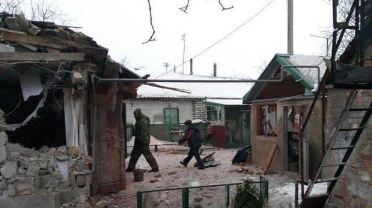 Милиция: ВАвдеевке обстрелами боевиков разрушено 52 дома, есть убитые ираненые