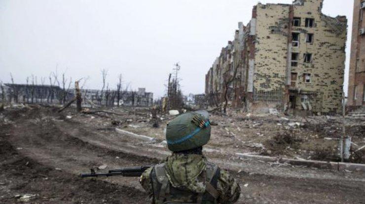 Уполномоченный ОБСЕ Хуг поведал о постоянных русских военных наДонбассе
