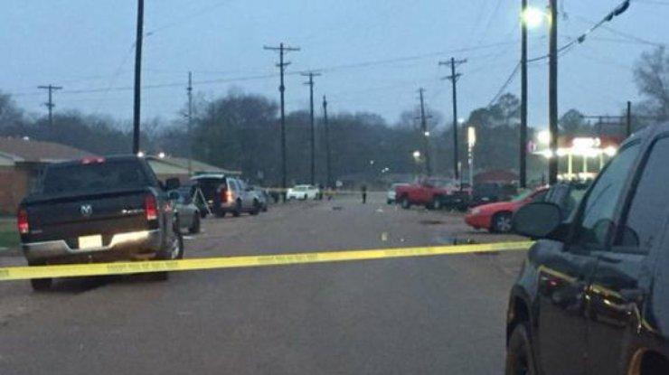 ВСША 4 человека погибли в стрельбе