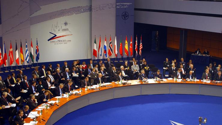 Дональд Трамп объявил орешительной помощи НАТО