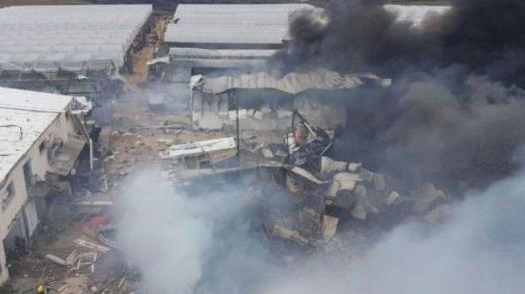 Склад фейерверков взрывается вИзраиле