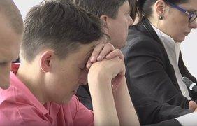 Народный депутат Надежда Савченко уснула на заседании комитета Верховной Рады по вопросам нацбезопасности