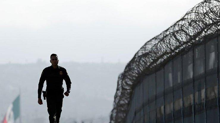 ВСША объявлен конкурс проектов стены награнице сМексикой