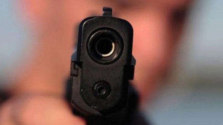 ВОдессе мужчина устроил стрельбу наулице и исчез натрамвае
