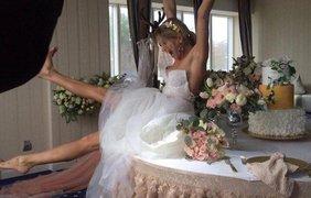 Известная певица примеряла свадебный наряд / Фото: из Facebook