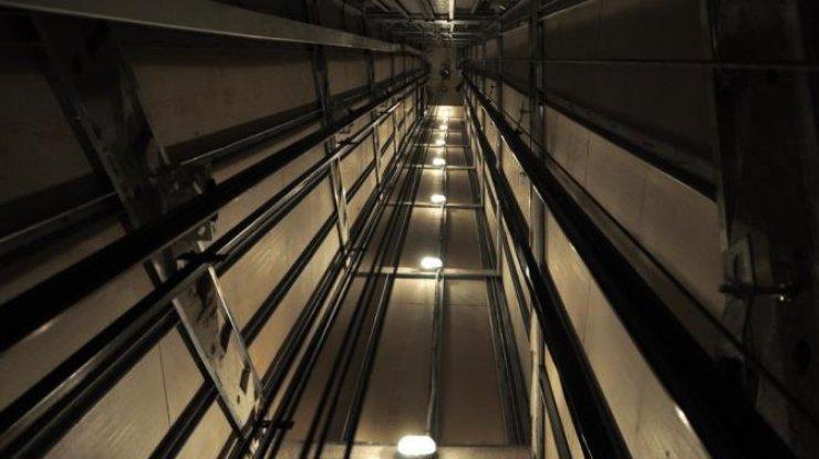 ВКиеве вшахте лифта обнаружили труп мужчины