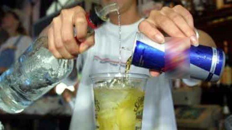 Энергетики с спиртом способствуют получению травм— специалисты