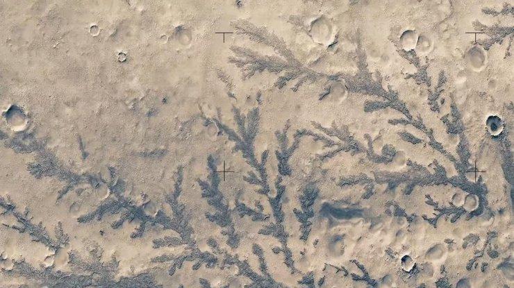 Кадры наилучших видов Марса показали водном видео