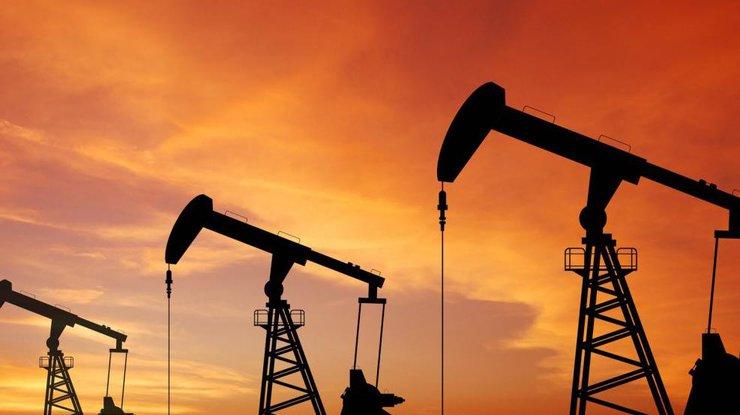 Мировые цены нанефть продолжают стремительно падать