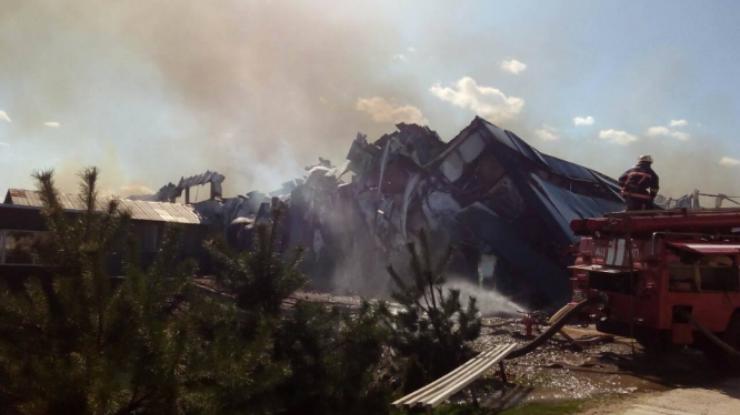 Вгосударстве Украина опять пламенеют склады: здешние граждане слышали взрывы