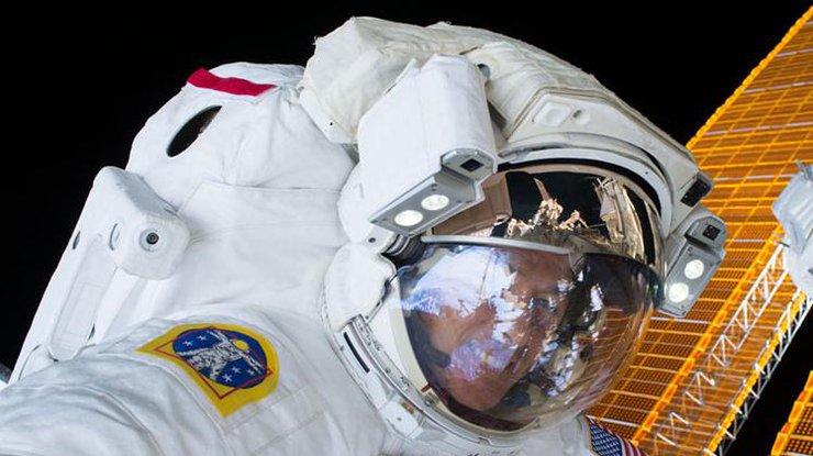 NASA подтвердило срок очередного выхода воткрытый космос членов экипажа МКС