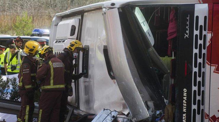 ВТехасе церковный автобус столкнулся спикапом