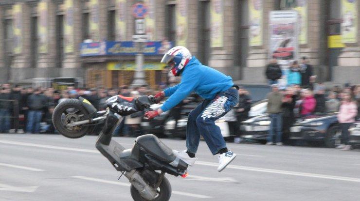КГГА сказала обограничении 8марта движения транспорта наКрещатике
