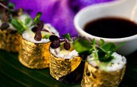 Золотые суши. В меню гастрономической фирмы Zafferano есть суши, завернутые в тончайшие листы 24-каратного золота