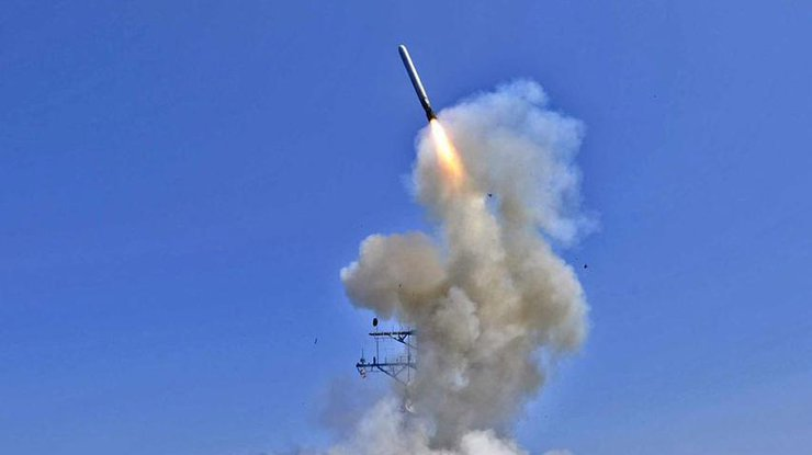 Белый дом неисключает новых ракетных ударов поСирии
