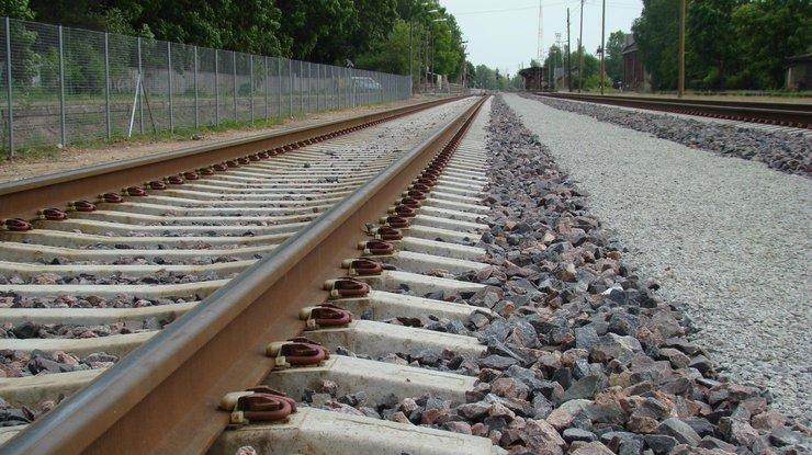 НаЛуганщине боевики взорвали железнодорожные пути: Воронка отвзрыва глубиной 3 метра