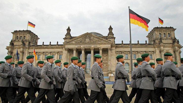 Министр обороны Германии призвала бундесвер готовиться котправке вСирию