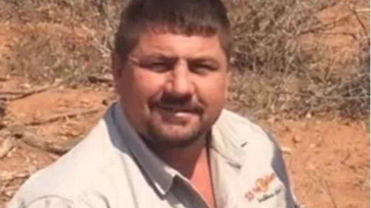 ВЗимбабве крокодил проглотил насафари профессионального охотника