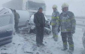 В результате аварии травмированы 25 человек