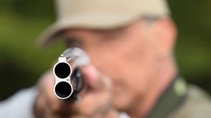 НаРовенщине мужчина выстрелил другу влицо изружья