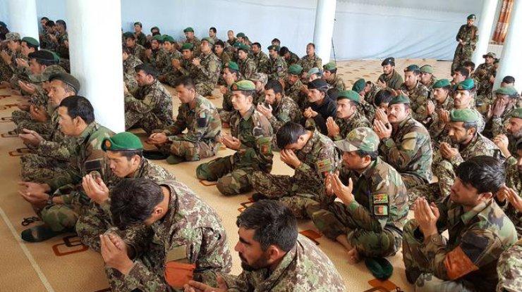 Число погибших нападения талибов навоенную базу вАфганистане может достигнуть 200