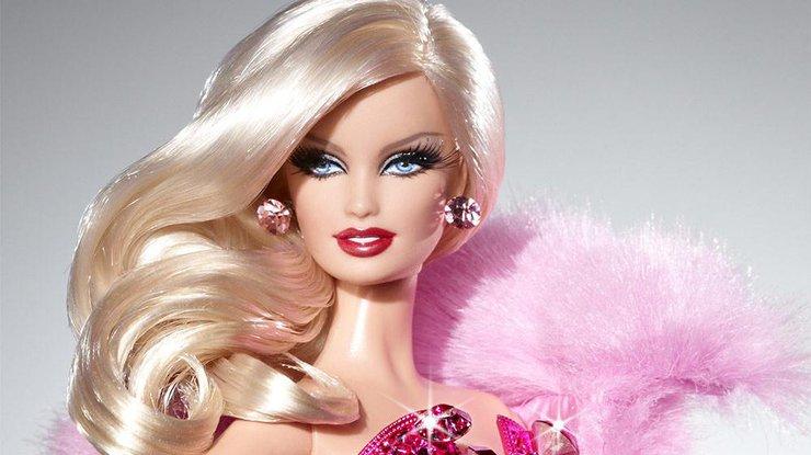 Женщина потратила состояние, чтобы стать Барби