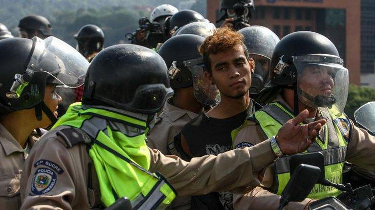 Один человек умер впроцессе манифестации вВенесуэле