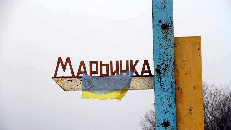 Террористы обстреливают Марьинку— предположительно, изминометов, гранатометов иБМП,— штаб АТО