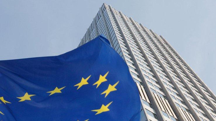 ЕСпродлит действие антироссийских санкций вначале лета