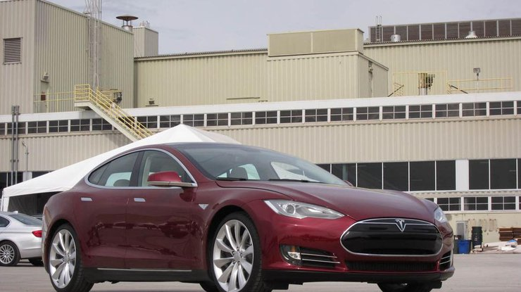 Компания Tesla обогнала поценности Форд