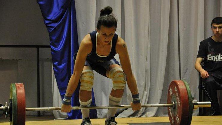 Украинка завоевала серебро наЧЕ потяжелой атлетике