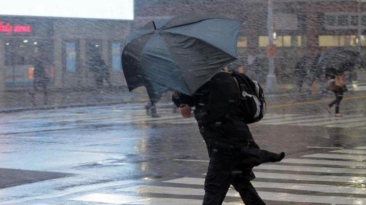 Синоптики предупреждают осильных порывах ветра вКиеве 8апреля