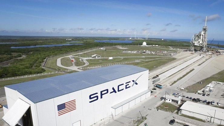 SpaceX провела первые тесты ракеты тяжелого класса