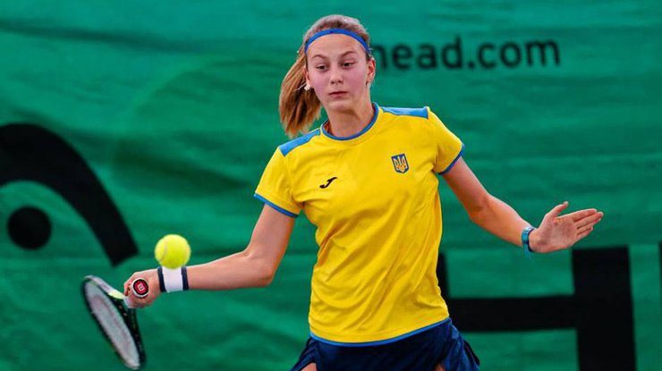 14-летняя украинская теннисистка выиграла 1-ый всвоей карьере турнир среди взрослых