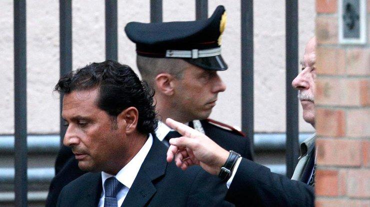 Осужденный экс-капитан лайнера Costa Concordia явился втюрьму